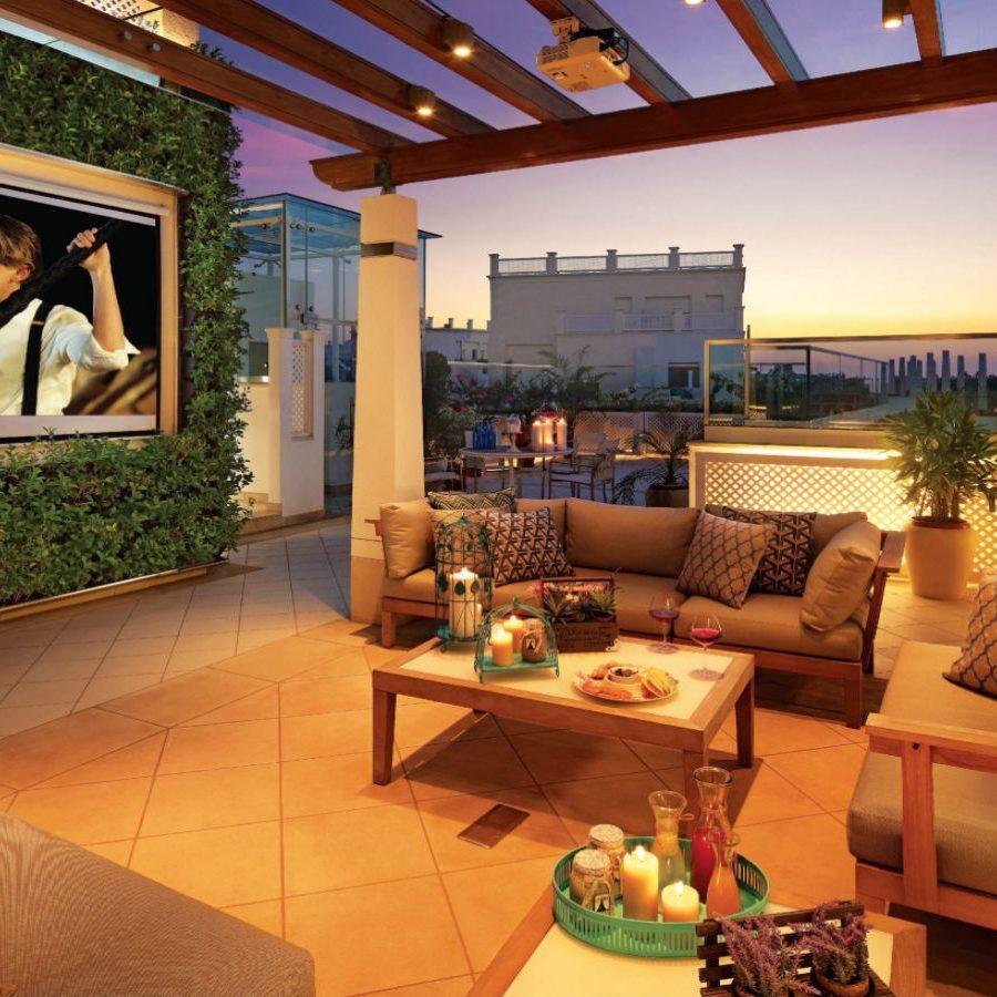 SkyVilla - Open-to-Sky sitting area on Deck