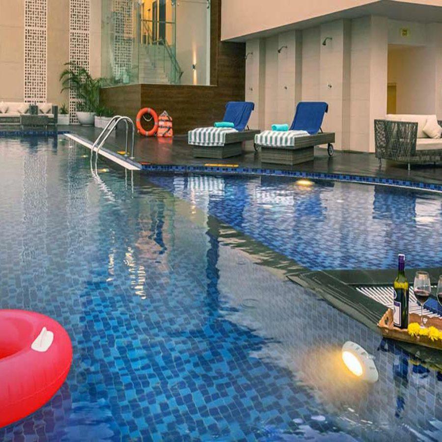 Mahindra Luminare - Swimming Pool