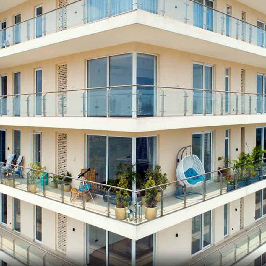 Mahindra Luminare - Wrap Around Balcony close